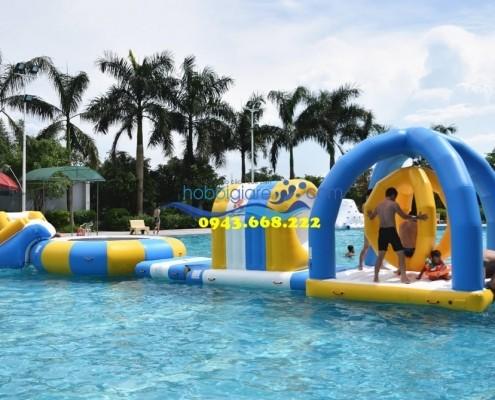 Công viên phao nổi trên bể bơi di động