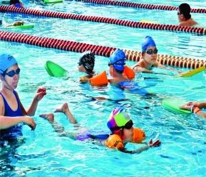 Hoạt động bơi lội cho học sinh